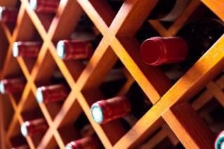 Na co zwrocic uwage przy zakupie szafy na wino